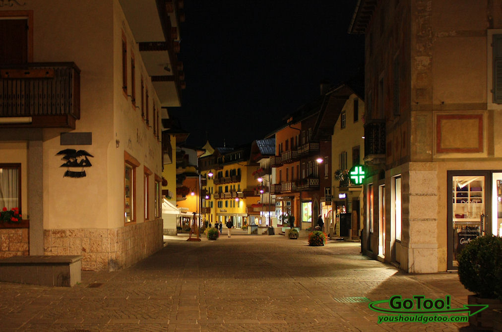 The quaint town of Cortina d'Ampezzo at night