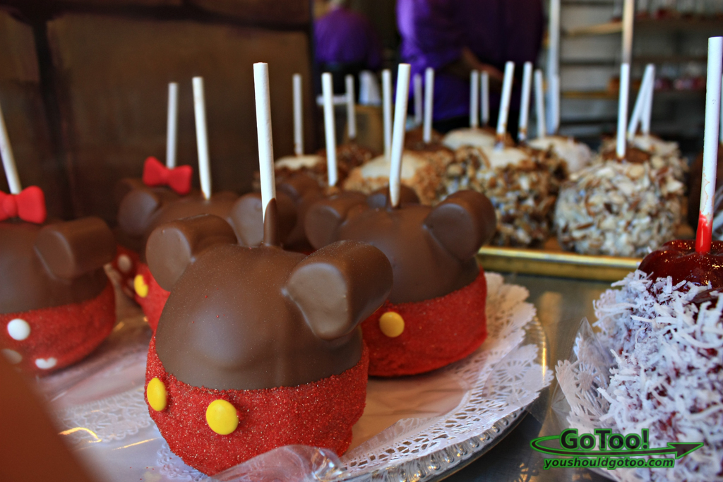 Candy Apples at Candy Cauldron Shop Downtown Disney