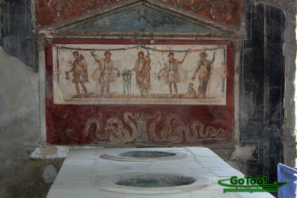 Artistic Paintings Uncovered in Pompeii
