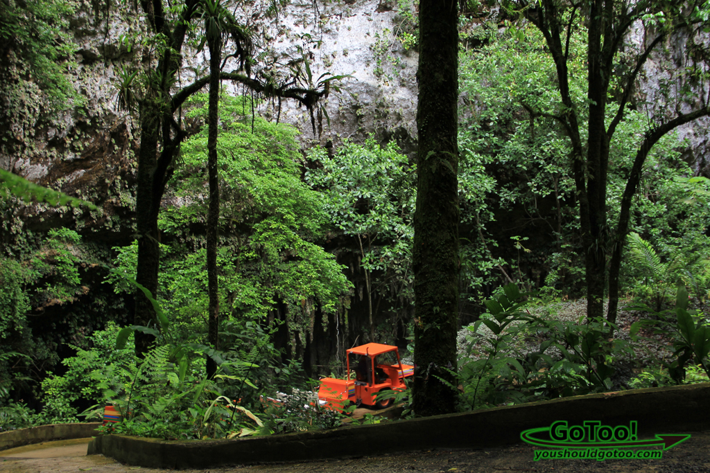 Tram-Ride-to-Rio-Camuy-Cave-Entrance