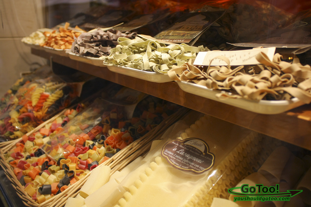Shop-Window-Pasta-Venice-Italy