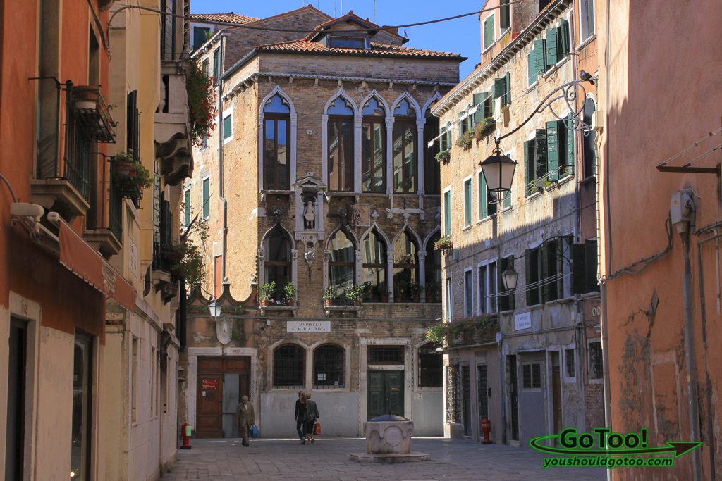 Venice-Italy-Neighborhood-Architecture